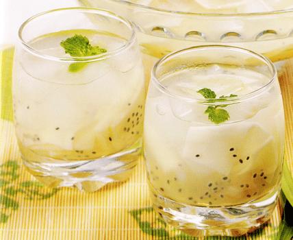 Resep Minuman Segar Es Kelapa Muda Selasih